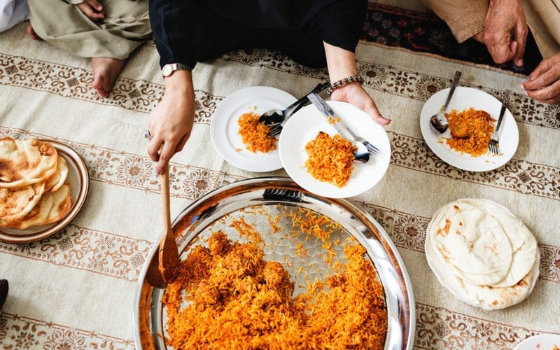 india has a very rich and diverse food tradition