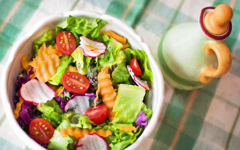 salad with fresh fruits and vegetables is linked to good health