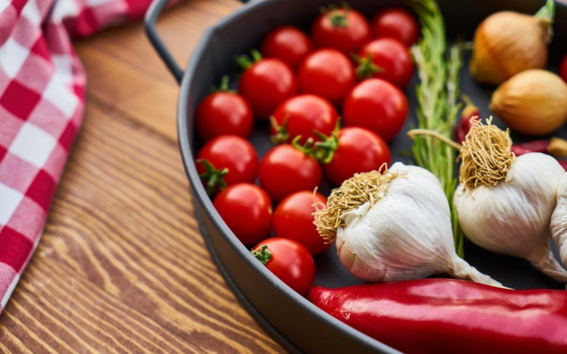 in jyotish garlic denotes ketu and red chilly denotes mars